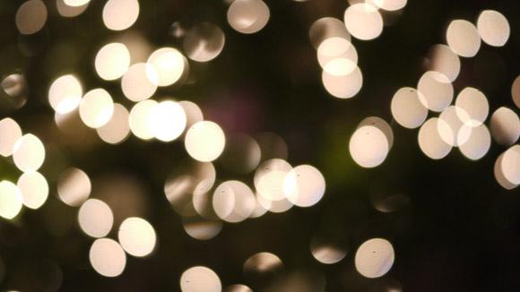 glowing-festive-lights-christmas-tree-white-small-bulb-bokeh-free-stock-photo