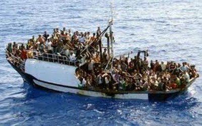 refugees-boat-400x250.jpg